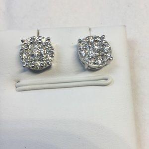 14 K white gold earrings 1. ct w diamonds